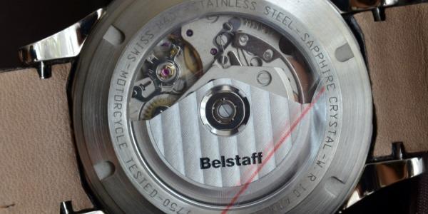 Ceasurile de mana barbatesti sau de dama cu mecanism Automatic Mecanic